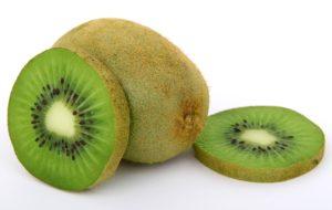Kiwi mit Schale essen