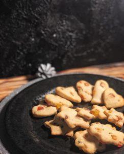 Dieses Rezept für glutenfreie Kekse ist ideal für alle, die an Zöliakie oder einer Glutensensivität leiden, aber trotzdem nicht auf Weihnachtsgebäck verzichten wollen. www.mybodyartist.de