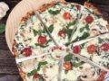 Diese Low Carb Spinat Pizza ist wirklich für jeden geeignet. Denn sie ist nicht nur kohlenhydratarm und proteinreich, sondern auch vegetarisch, glutenfrei und wenn man laktosefreien Käse verwendet sogar bei einer Laktoseintoleranz geeignet. Und das Wichtigste: sie schmeckt auch wirklich fantastisch!