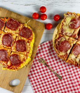 Dieses Low Carb Pizzabrot ist ideal für Dich, wenn Du während Deiner Abnehmphase mal Hunger auf Pizza hast, aber gleichzeitig auch ein paar Kalorien einsparen willst.